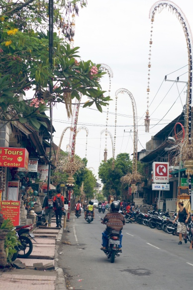 The hectic streets of Ubud, Bali