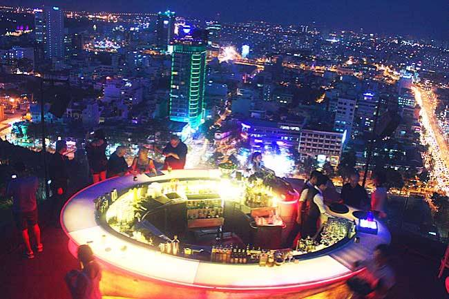 Happy Hour Sky bar in Ho Chi Minh City